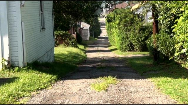 The stabbing occurred in this alley in Steubenville.