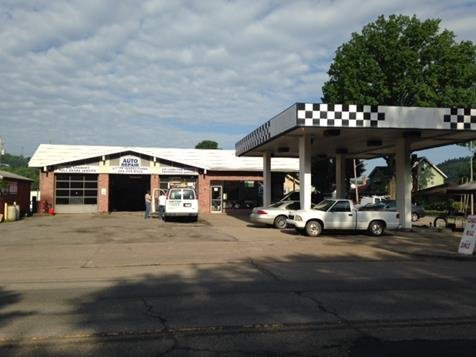 Officers with the Wheeling Police Department are investigating a robbery at Mountaineer Auto.