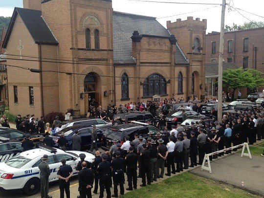 Hundreds of law enforcements officers from Ohio and West Virginia paid their respects in honor of Jefferson County Deputy Mike Brandle Wednesday at his funeral in Toronto, Ohio.