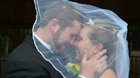 Jeremy Stamper has turned to the crowd-funding site in hopes of exchanging vows again and creating a new memory for his young wife.