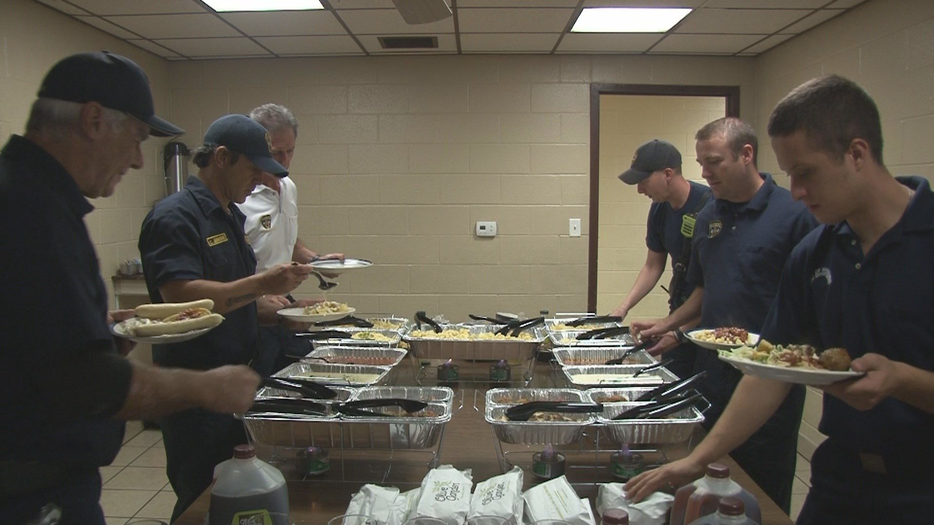 Olive Garden Provides Labor Day Lunch To First Responders