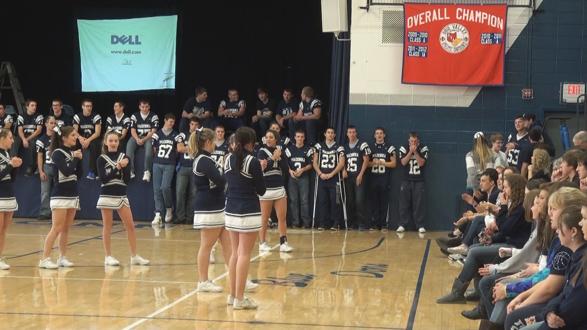 Weirton Madonna Football Weirton Madonna Students Pump